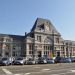 Estación de tren y plaza Crombez (Tournai, Bélgica)