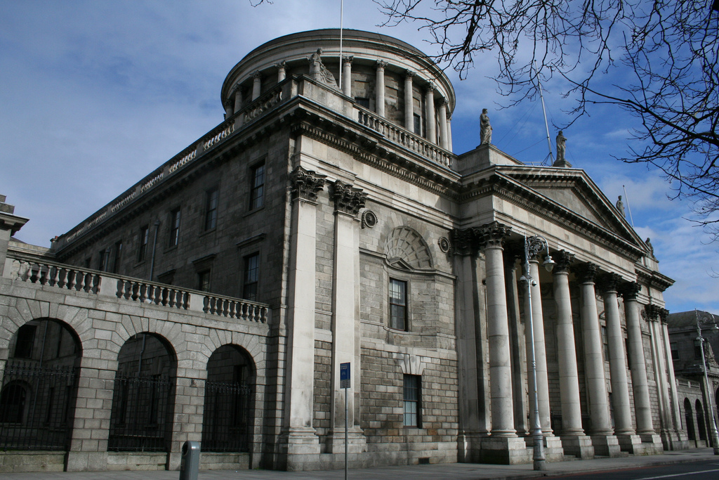 dublin-four-courts-00
