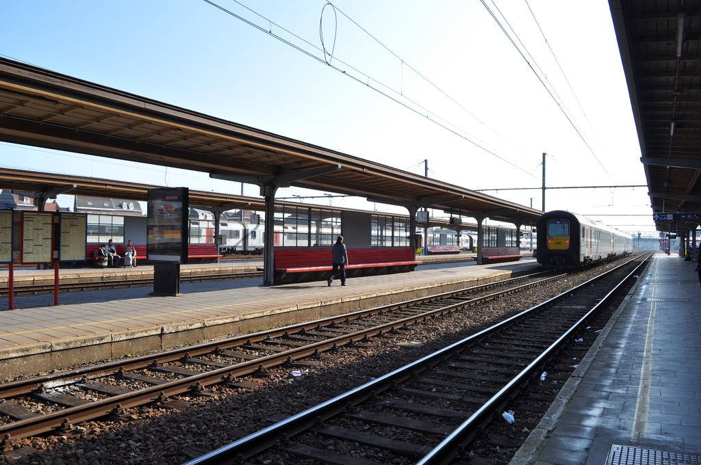 gare-tournai-01