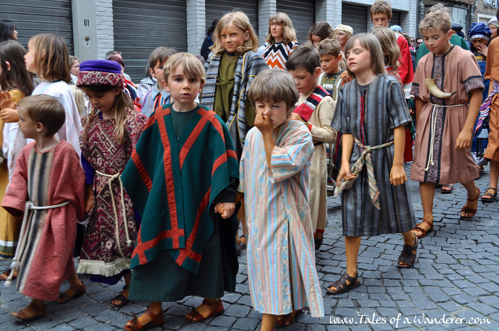 brujas-procesion-santa-sangre-15