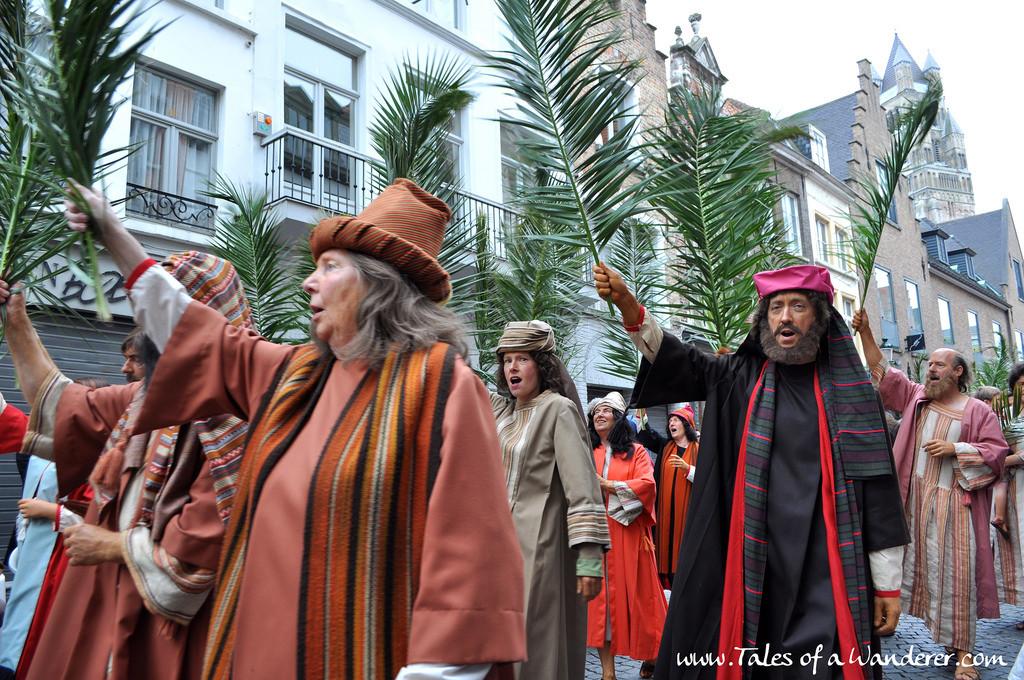brujas-procesion-santa-sangre-24