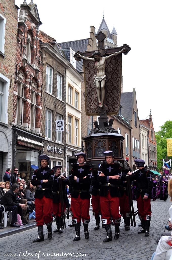 brujas-procesion-santa-sangre-29