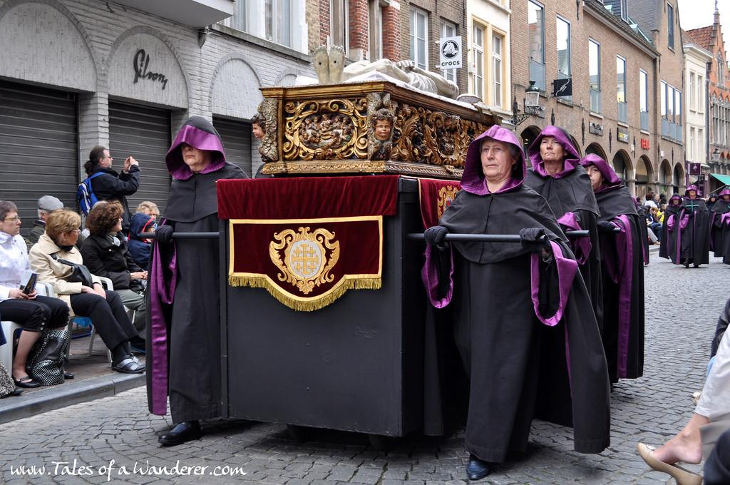 brujas-procesion-santa-sangre-32