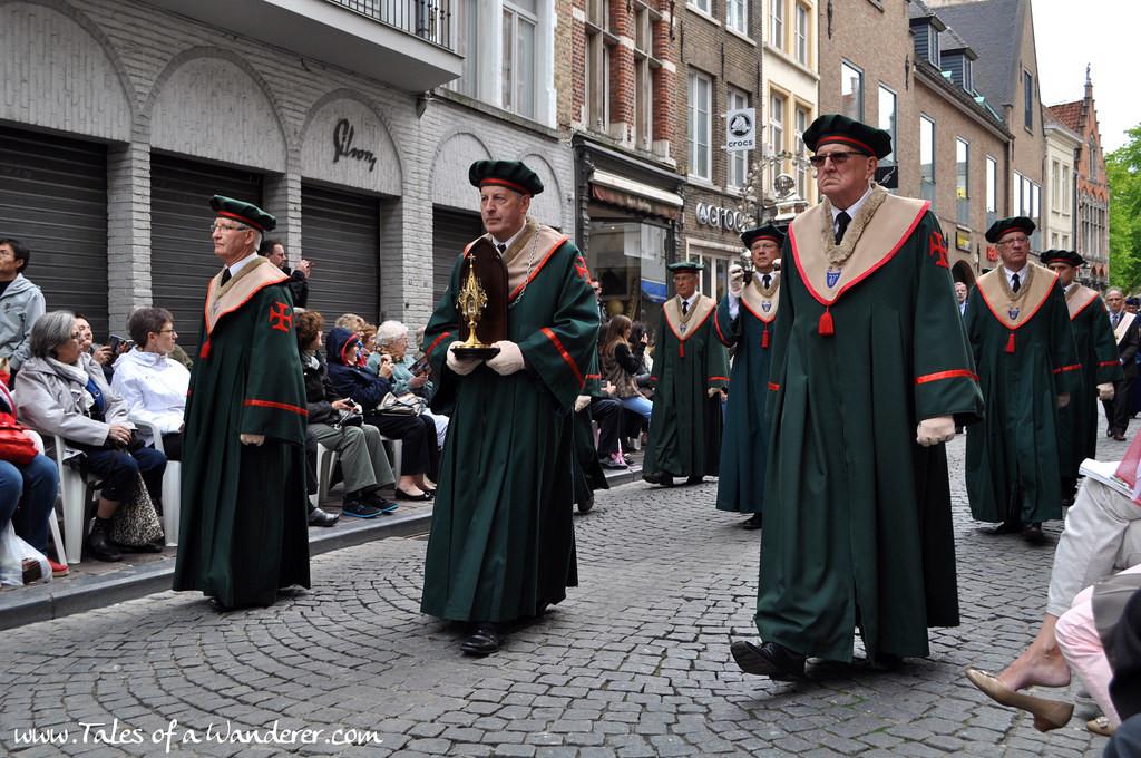brujas-procesion-santa-sangre-44