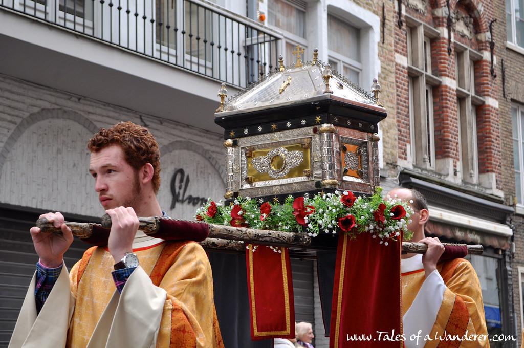 brujas-procesion-santa-sangre-45