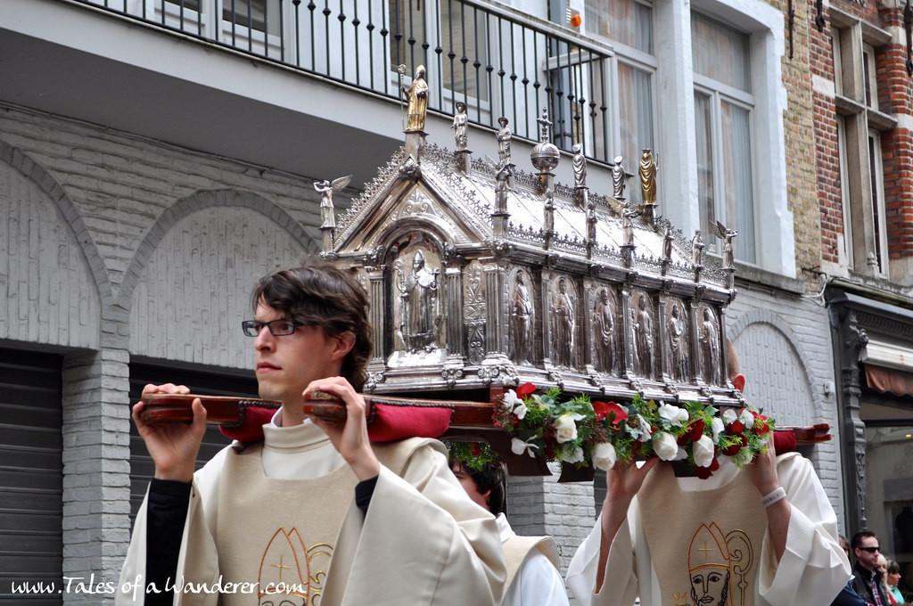 brujas-procesion-santa-sangre-46