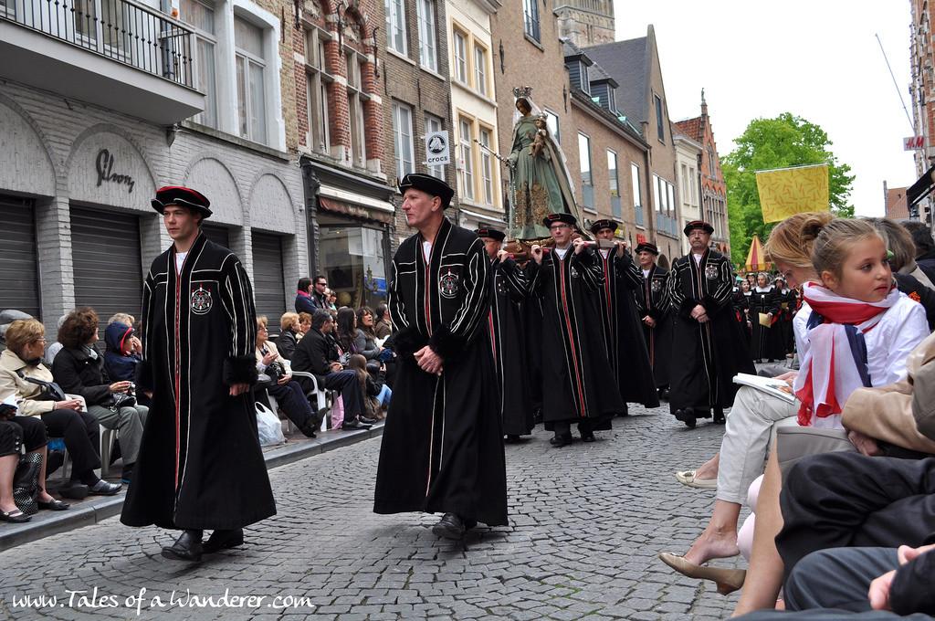 brujas-procesion-santa-sangre-47