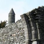 Lagos y conjunto monacal del Valle de Glendalough (cerca de Laragh, Irlanda)