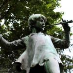 Bruselas. Estatua de Peter Pan en los jardines del Palacio de Egmont