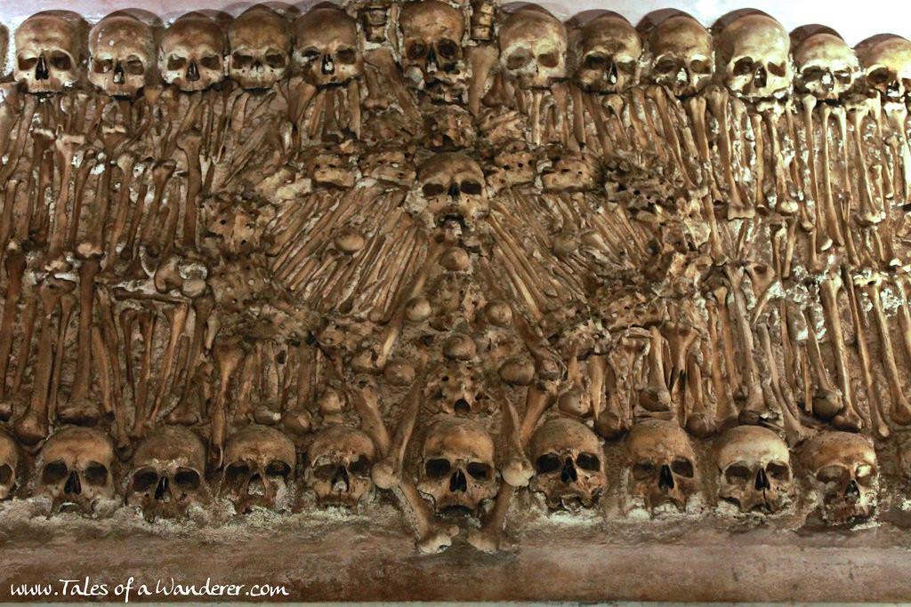 capela-dos-ossos-09