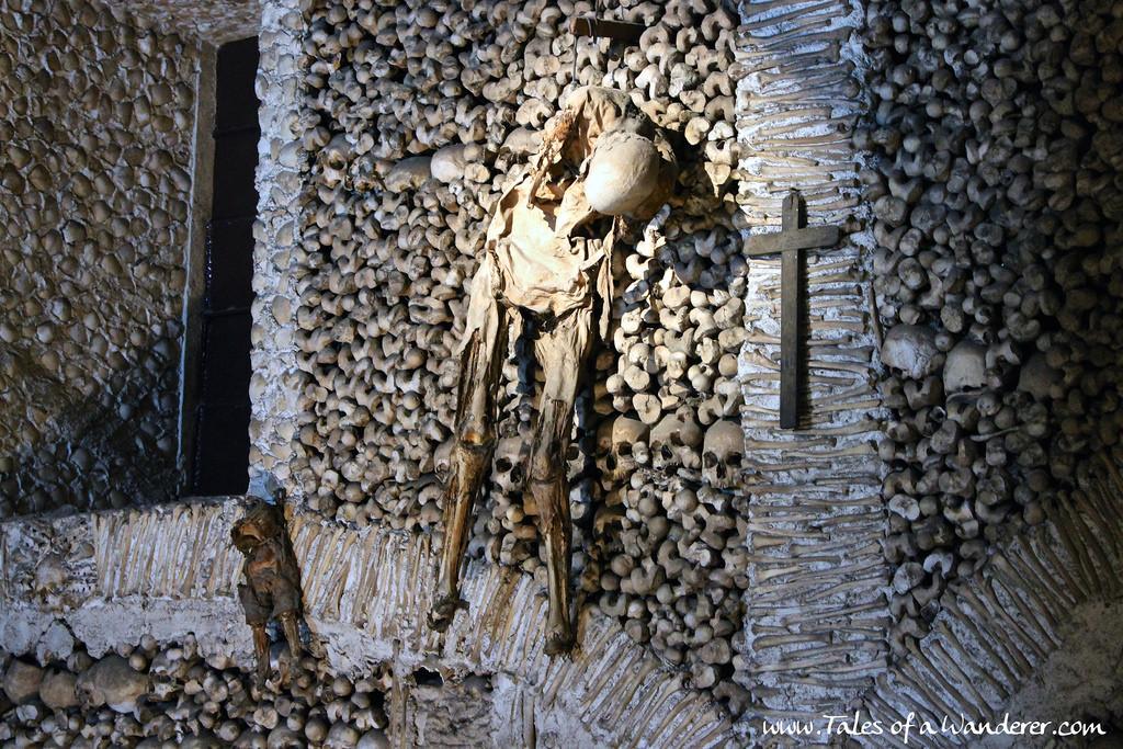 capela-dos-ossos-11