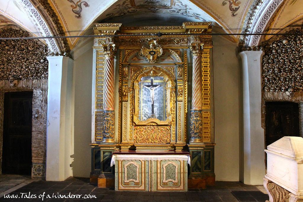 capela-dos-ossos-13